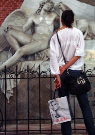 DSC00629 Maria Gloriosa Dei Frari, Canova monument - Copy blogsize