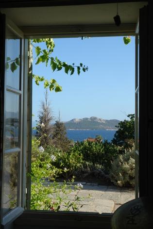 DSC00129 Aegina 2013-blogsize