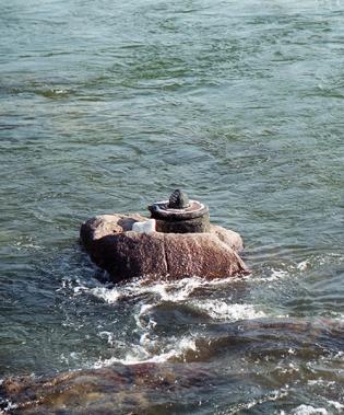 Lingam and yoni sculpture in Betwa river, Orchha, Madhya Pradesh, India 2004