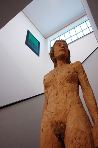 Stephan Balkenhol, Female Nude, 1999, Limewood, Gemeentemuseum The Hague, Netherlands 2015